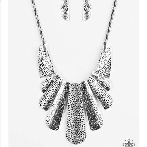 J72 Silver necklace